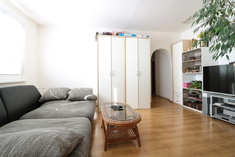 slnecny-zrekonstruovany-2-izbovy-byt-ciernovodska-ul-zatepleny-dom-ticha-lokalita-so-zelenou