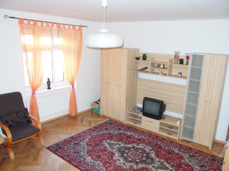 predaj-2-i-kompletna-rekonstrukcia-47-95-m2-dobra-lokalita-mestska-u-tehlovy-dom-s-dvorom