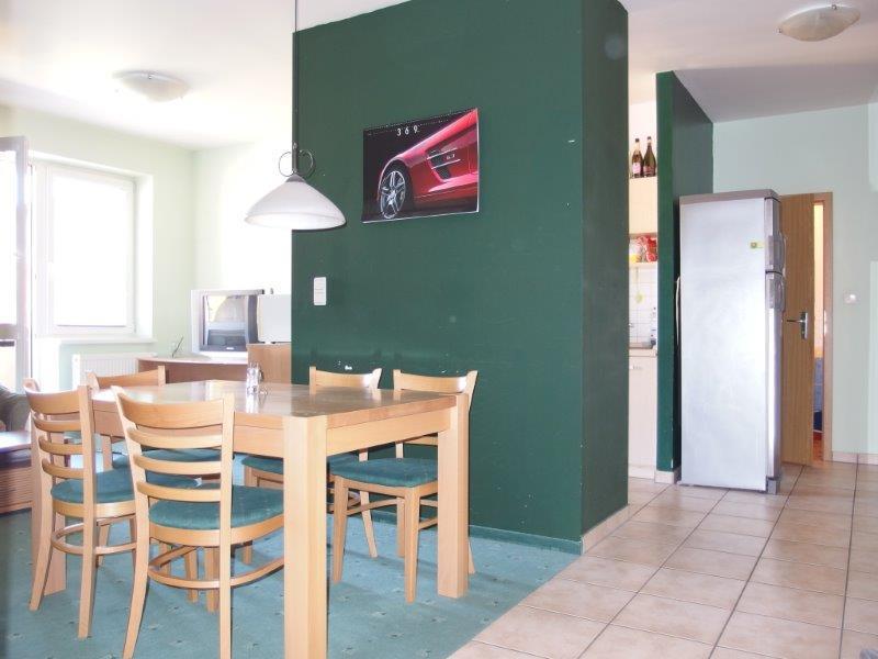 byt-4-i-81-18-m2-4-90m2-balkon-kvalitna-novostavba-zaciatok-petrzalky-155-000-moznost-garaze