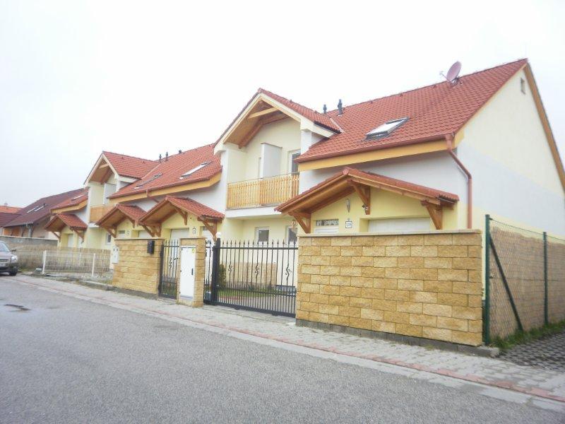 rodinne-domy-v-rovinke